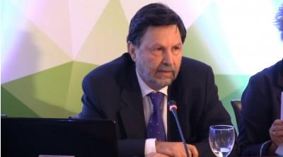 Ο υφυπουργός Οικονόμου και το «κολλημένο» project της ΕΚΤΕΡ στην Πάρο