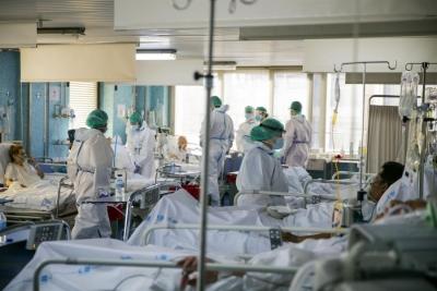 Σε 5.895 μέχρι στιγμής οι πράξεις αναστολής για υγειονομικούς - Γιατί το ΣτΕ απέρριψε την προσφυγή τους