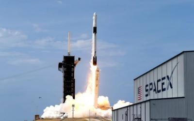 ΗΠΑ: Αδεια στην SpaceX  για δορυφόρους χαμηλής τροχιάς, παρά τις αντιρρήσεις της  Amazon