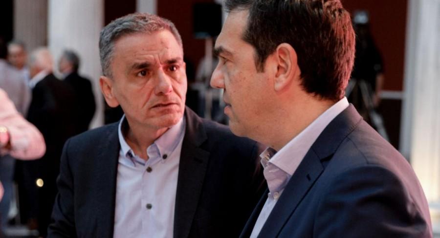 Έκανε πίσω ο Τσίπρας για τη διαγραφή Τσακαλώτου... παρ΄ ότι «τον φλόμωσε στα ψέματα» - Βλέπει νέες ευκαιρίες σκληρής αντιπολίτευσης