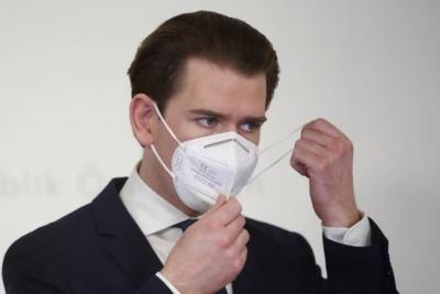 Αυστρία: Με το σκεύασμα της AstraZeneca εμβολιάστηκε ο καγκελάριος Sebastian Kurz
