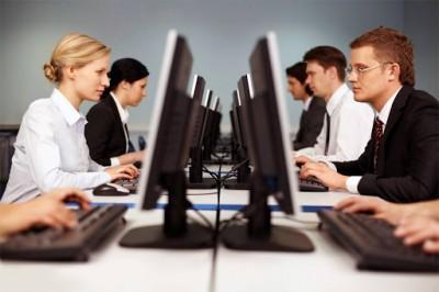 Μεγάλες ανατροπές στα εργασιακά: Υπερωρίες 180 ωρών (από 120), ηλεκτρονική ψηφοφορία για απεργίες και Κάρτα Εργασίας
