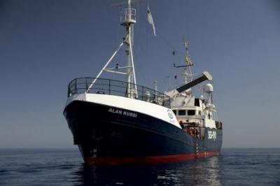 Μάλτα: Αίσιο τέλος με τους μετανάστες του «Alan Kurdi» – Μεταφέρθηκαν στη Βαλέτα