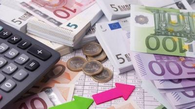 Πρασινίζουν οι κόκκινοι οφειλέτες του Δημοσίου με το χαμηλό επιτόκιο της ΕΚΤ