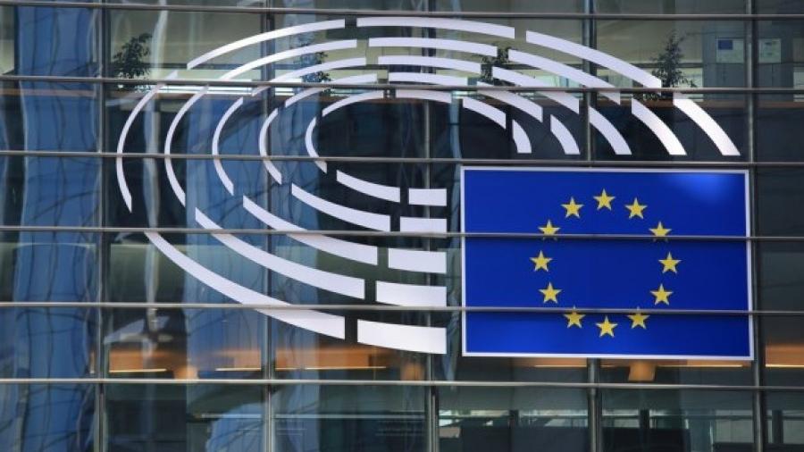 Κομισιόν: Με δική τους ευθύνη οι μονομερείς συμφωνίες κρατών - μελών για τα εμβόλια του κορωνοϊού