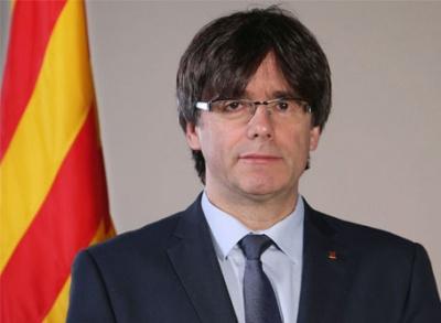 Ισπανία: Προειδοποιεί τον Puigdemont ότι θα συλληφθεί αν επιστρέψει στην Καταλονία