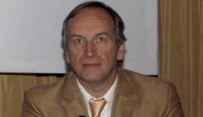 Γάκης (πρώην διοικητής του ΑΧΕΠΑ): «Απαράδεκτο και φασιστικό το εμβόλιο στα παιδιά»