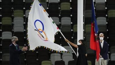 Στο Παρίσι η Ολυμπιακή σημαία! (video)