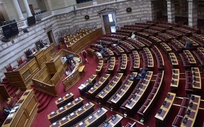 Βουλή: Σχεδόν 290 βουλευτές έχουν εμβολιασθεί