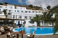 Το Μυκονιάτικο ξενοδοχείο, το ΤΑΙΠΕΔ, τα 5 εκατ. ευρώ και η οικογένεια Καραμανλή