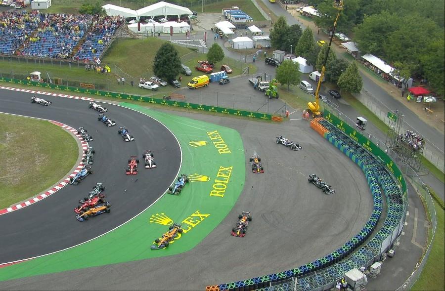 Grand Prix Ουγγαρίας: Απίστευτη «καραμπόλα» με επτά μονοθέσια στην εκκίνηση! (video)