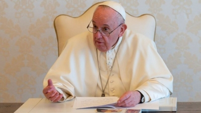 Πάπας Φραγκίσκος: Υπέρ της πρότασης Biden για άρση της προστασίας της πατέντας για τα εμβόλια