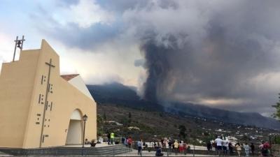 Κλειστό παραμένει το αεροδρόμιο της Λα Πάλμα λόγω της ηφαιστειακής τέφρας