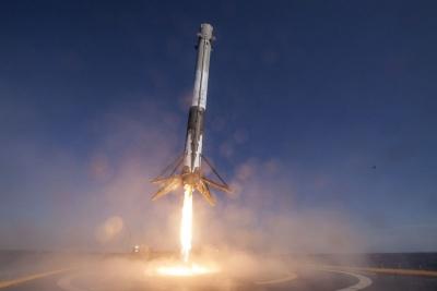ΗΠΑ: Η εκτόξευση του Falcon 9 της SpaceX, λόγω νέων ελέγχων αναβλήθηκε για αύριο (3/12)