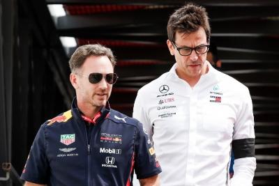 Formula 1: Μαίνεται ο «πόλεμος» ανάμεσα σε Κρίστιαν Χόρνερ και Τότο Βολφ