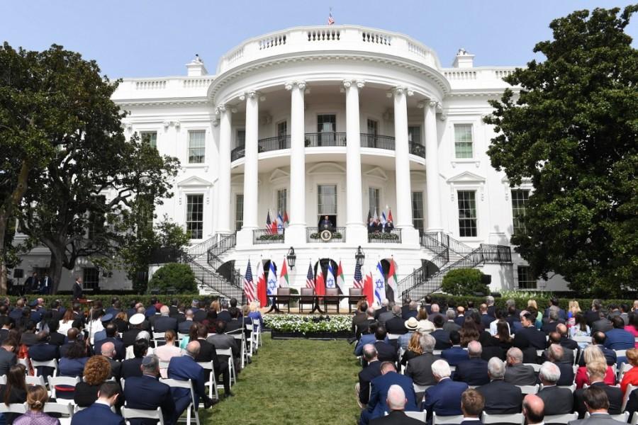 Προεκλογική φιέστα ετοιμάζει απόψε (10/10) έξω από τον Λευκό Οίκο ο Donald Trump