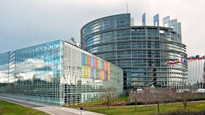 Ευρωκοινοβούλιο: Την άμεση παρέμβαση της Κομισιόν κατά της Πολωνίας ζητεί η ομάδα Renew Europe