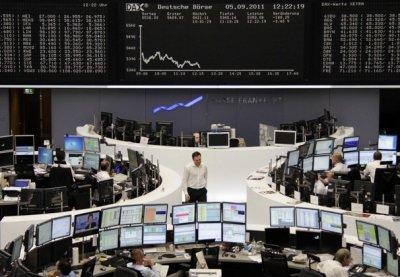 Μεικτά πρόσημα στις ευρωαγορές, με το «βλέμμα» σε αποτελέσματα και εμπορεύματα