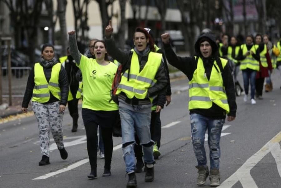 Γαλλία: Τους εννέα έφθασε ο απολογισμός των νεκρών από τις κινητοποιήσεις των κίτρινων γιλέκων