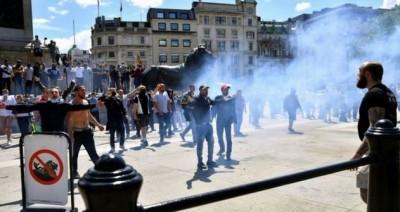 Βρετανία: Συγκρούσεις διαδηλωτών με ακροδεξιούς στο Λονδίνο για τα αγάλματα