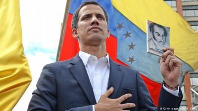 Βενεζουέλα: Στο κενό η στρατηγική Guaido για την ανατροπή Maduro -  Οι τρεις κίνδυνοι