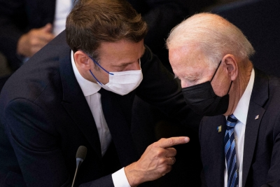 Επικοινωνία Macron – Biden για διευκρινίσεις και όχι για συμφιλίωση