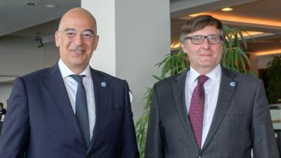 Ο στενός συντονισμός ΗΠΑ – ΕΕ σε Μεσόγειο και Βαλκάνια στη συνάντηση Δένδια – Palmer