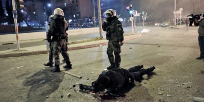 Νέα Σμύρνη: Δύο ακόμα συλλήψεις για τον ξυλοδαρμό του αστυνομικού – Κοντά και σε άλλους δράστες η ΕΛΑΣ