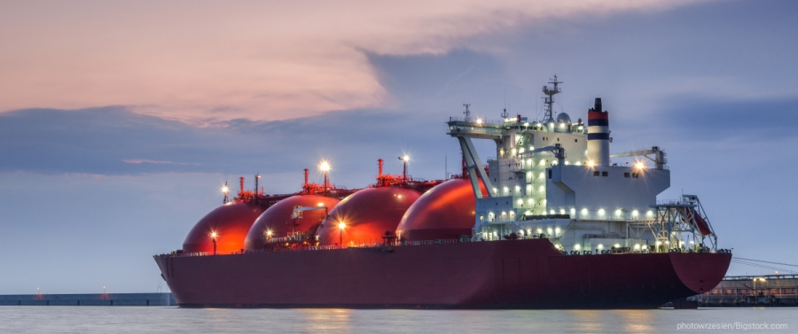 Ναυτιλία: Έως 350.000 δολ. την ημέρα ο ναύλος για τη μεταφορά containers και LNG