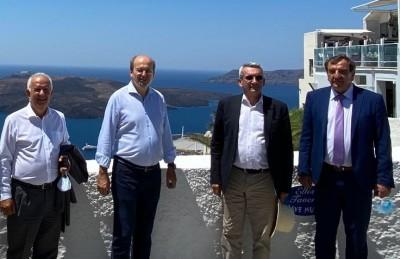 Χατζηδάκης: Κλείνουν έως το 2022 όλες οι ανεξέλεγκτες χωματερές σε Κυκλάδες - Δωδεκάνησα