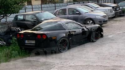 Ελεύθερος ο οδηγός της μαύρης Corvette που παρέσυρε και σκότωσε στην Γλυφάδα τον 25χρονο μοτοσικλετιστή