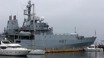 Με το πολεμικό ναυτικό θα αντιμετωπίσει η Βρετανία τα αλιευτικά της ΕΕ στην περίπτωση no deal