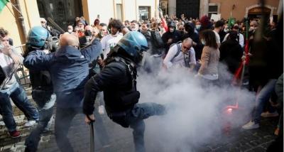Ρώμη: Πορεία για το άνοιγμα του λιανεμπορίου με επεισόδια