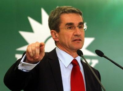 Λοβέρδος: Θα αλλάξω το όνομα και θα επαναφέρω το ΠΑΣΟΚ και τον ήλιο» - Αιχμές κατά της σημερινής ηγεσίας