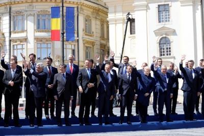 Διακήρυξη 10 σημείων από τους 27 ηγέτες της ΕΕ: Θα δείξουμε αλληλεγγύη σε δύσκολες περιόδους, πάντα ενωμένοι