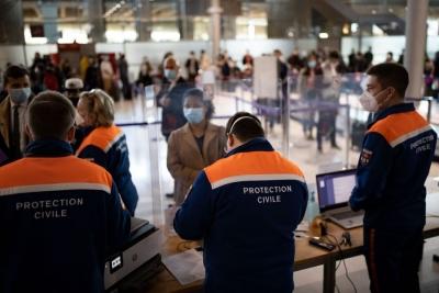 ΕΕ – ΗΠΑ: Συνομιλίες για συντονισμένη άρση των ταξιδιωτικών περιορισμών