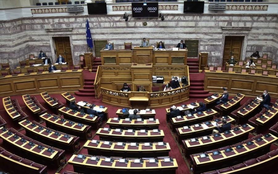Βουλή: Ψηφίσθηκε το ν/σ του ΥΠΟΙΚ για την πάταξη του λαθρεμπορίου