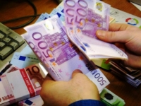 Γραφειοκρατικός βραχνάς για τις επιχειρήσεις τα νέα φορολογικά μέτρα – Όλες οι συναλλαγές πάνω από 500 ευρώ θα γίνονται μέσω τραπέζης