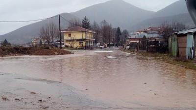 Προβλήματα από την κακοκαιρία σε δρόμους των Σερρών και της Χαλκιδικής