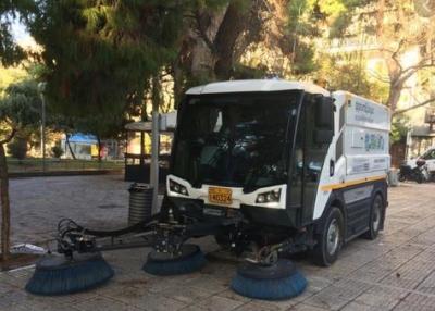 Κυριακάτικη επιχείρηση του Δήμου Αθηναίων στα Κάτω Πετράλωνα - Πλύσιμο και απολύμανση
