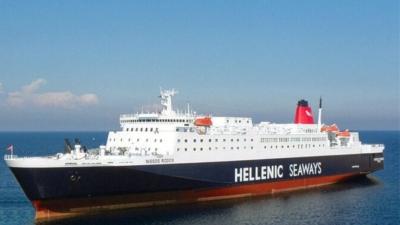 Συναγερμός στο πλοίο «Νήσος Ρόδος»: Εντοπίστηκαν 12 κρούσματα κορωνοϊού