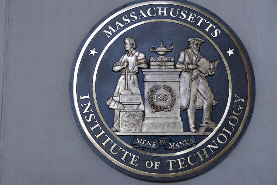 Massachusetts Institute of Technology (MIT): Τι θα συμβεί εάν η ανοσία δεν διαρκέσει; – Ο κορωνοιός θα εμφανίζεται κατά κύματα