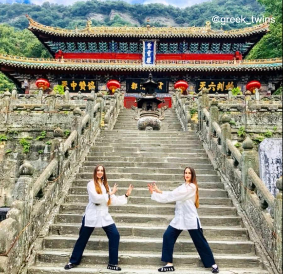 Δύο Ελληνίδες αδερφές κάνουν γνωστή την Ελλάδα, στην Κίνα