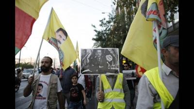 Καθιστική διαμαρτυρία Κούρδων έξω από την τουρκική πρεσβεία