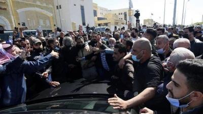Ιορδανία: «Έσπασαν» την απαγόρευση κυκλοφορίας και διαδήλωσαν κατά του lockdown - «Δεν φοβόμαστε τον κορωνοϊό»