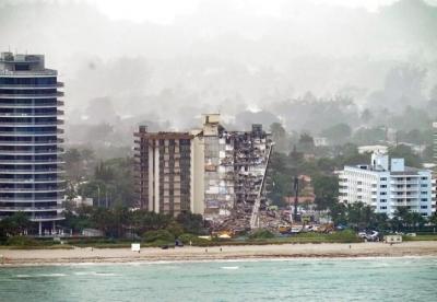 ΗΠΑ: Στους 16 οι νεκροί από την κατάρρευση της πολυκατοικίας στη Φλόριντα