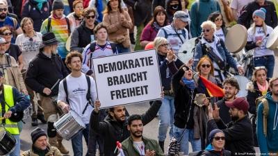 Γερμανία: Διαδήλωση στο Βερολίνο κατά των περιορισμών, παρά την απαγόρευση