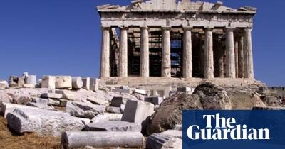 Guardian: Οι Έλληνες επιλέγουν να ξεχάσουν τη γλώσσα τους, το γύρισαν στα Greeklish