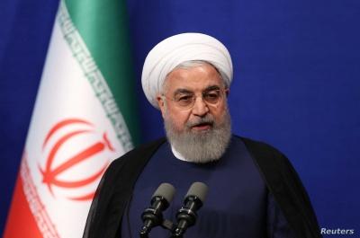 Το Ιράν ανοίγει σταδιακά την οικονομία του, υπό τον φόβο βαθιάς ύφεσης λόγω κορωνοϊού