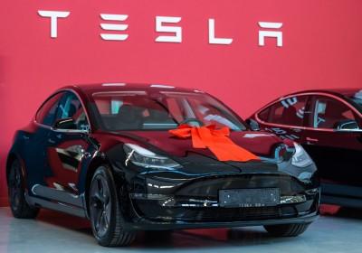 Tesla: Φθηνότερο κατά 8% το Model 3 στην Κίνα